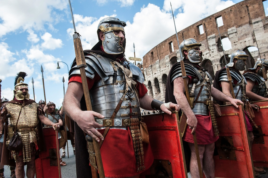 Romans Celebrate the 2,766th Anniversary of Their City 37227