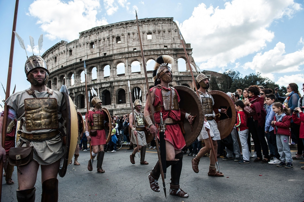 Romans Celebrate the 2,766th Anniversary of Their City 37228