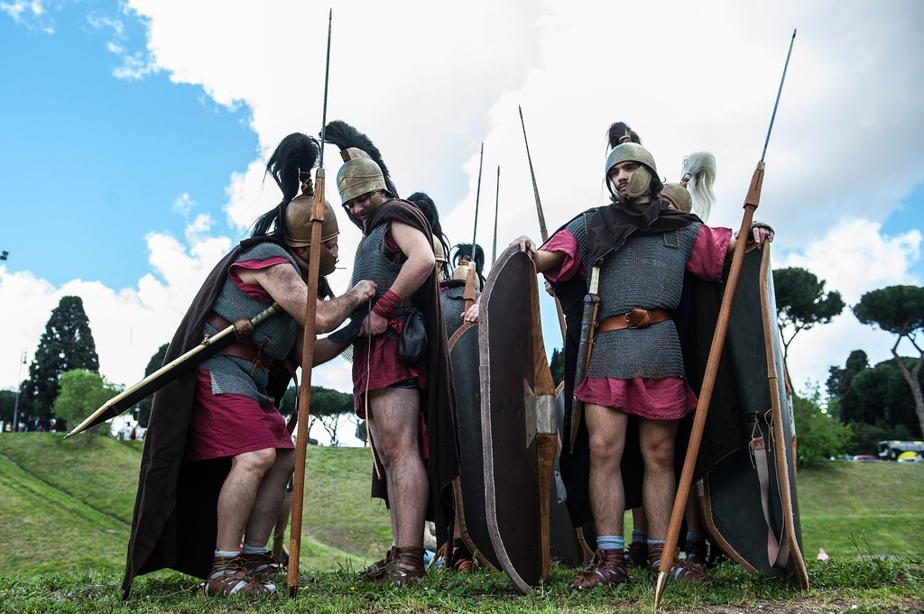 Romans Celebrate the 2,766th Anniversary of Their City 37326
