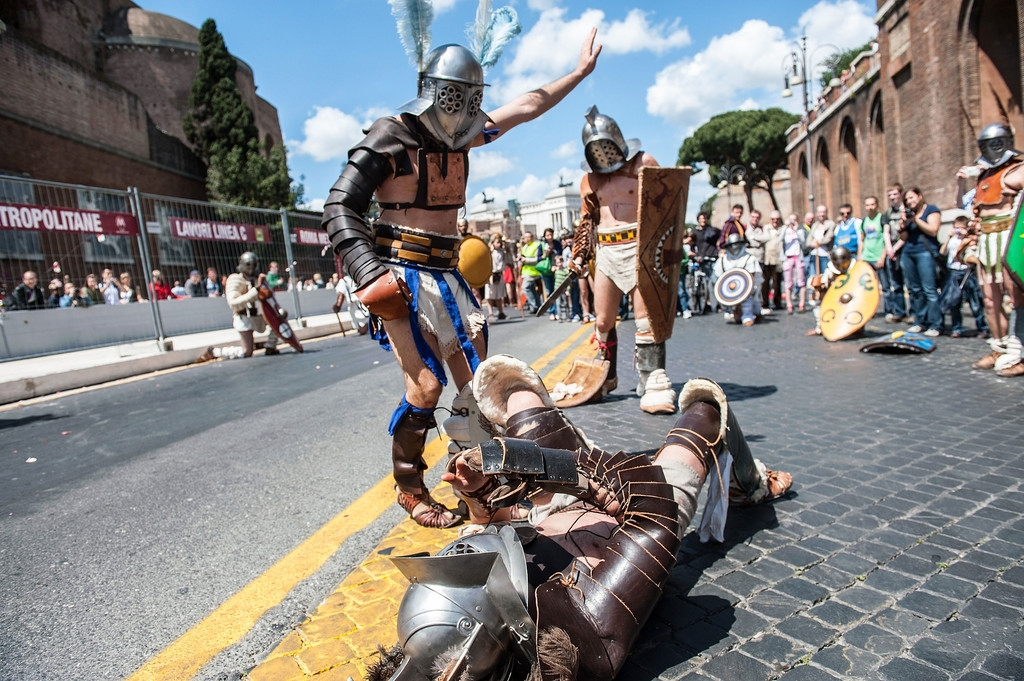 Romans Celebrate the 2,766th Anniversary of Their City 37381