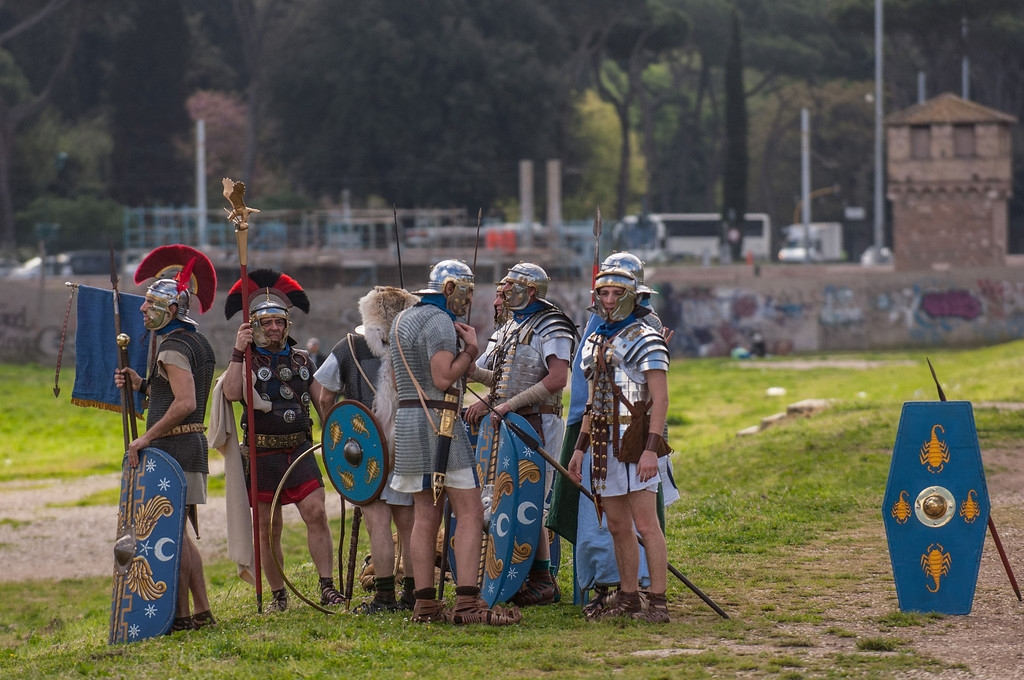 Romans Celebrate the 2,766th Anniversary of Their City 37426
