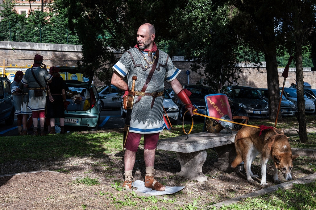 Romans Celebrate the 2,766th Anniversary of Their City 37499