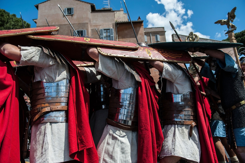 Romans Celebrate the 2,766th Anniversary of Their City 37500