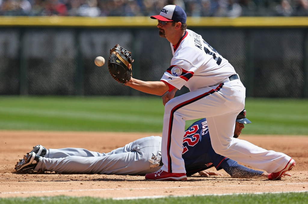 Minnesota Twins v Chicago White Sox 37961