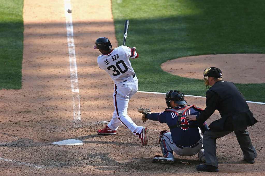 Minnesota Twins v Chicago White Sox 38144