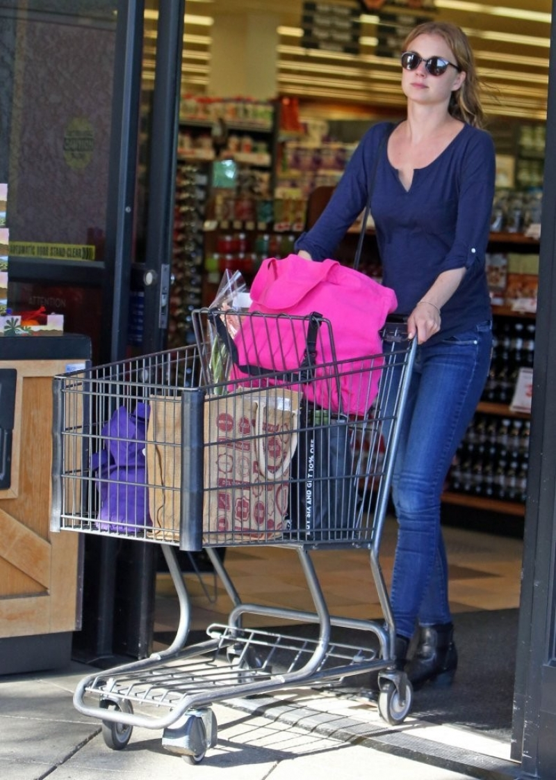 Emily Van Camp Shops at Gelson's 38449