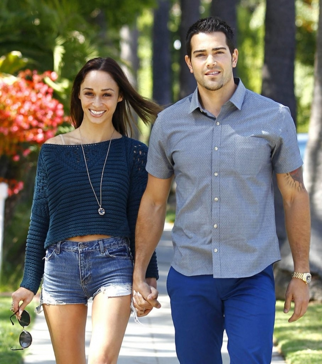 Jesse Metcalfe & Cara Santana All Smiles In Beverly Hills 38494