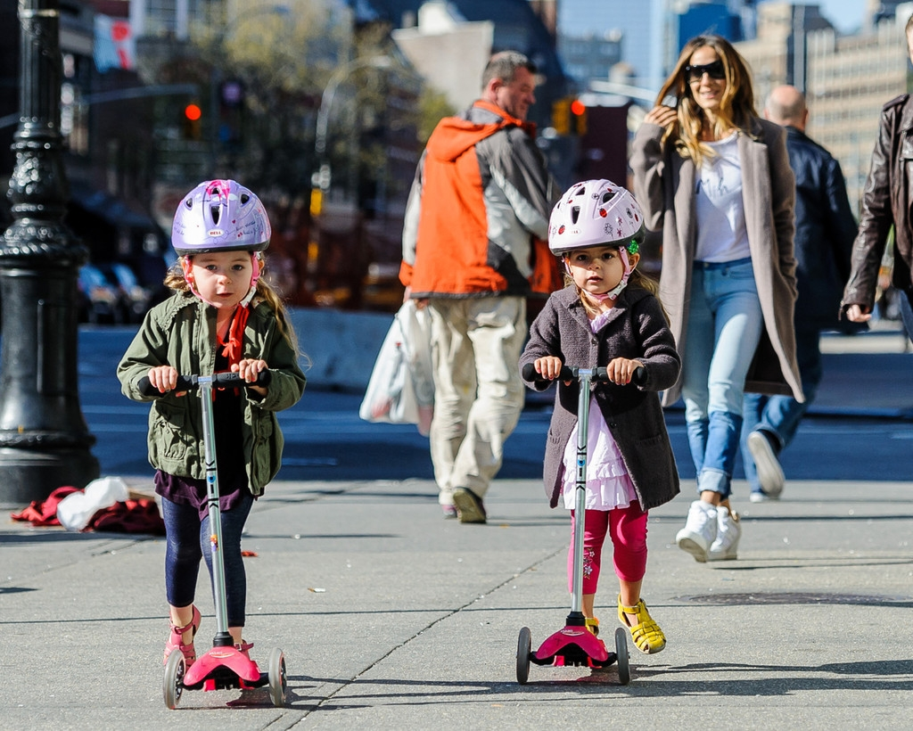 Sarah Jessica Parker Takes Her Twins to School 38690
