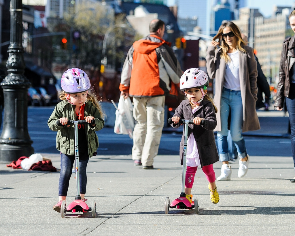 Sarah Jessica Parker Takes Her Twins to School 38693