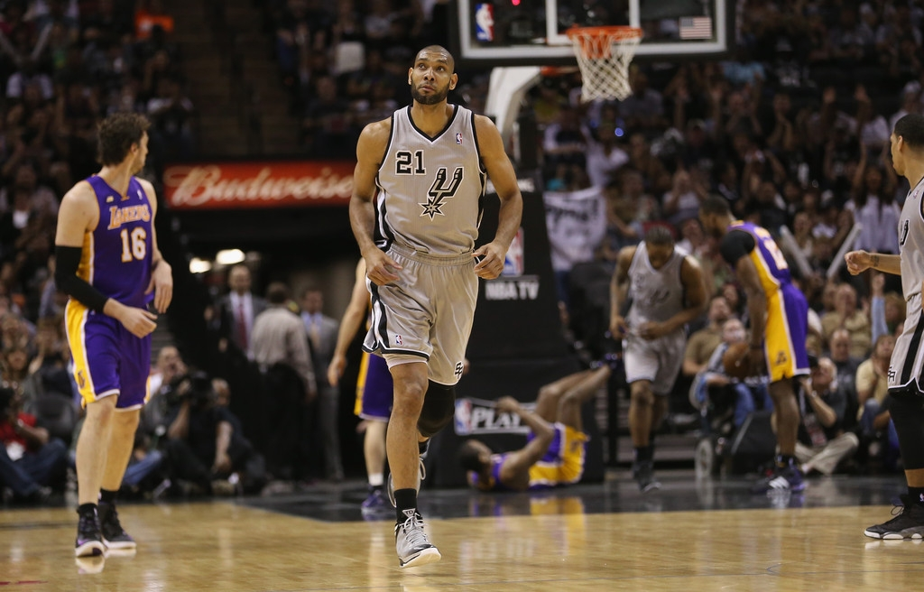Los Angeles Lakers v San Antonio Spurs  38911