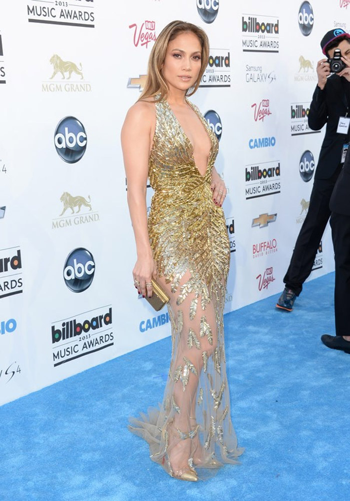 Jennifer Lopez arrives on the red carpet at the 2013 Billboard Music Awards at the MGM Grand in Las Vegas 39774