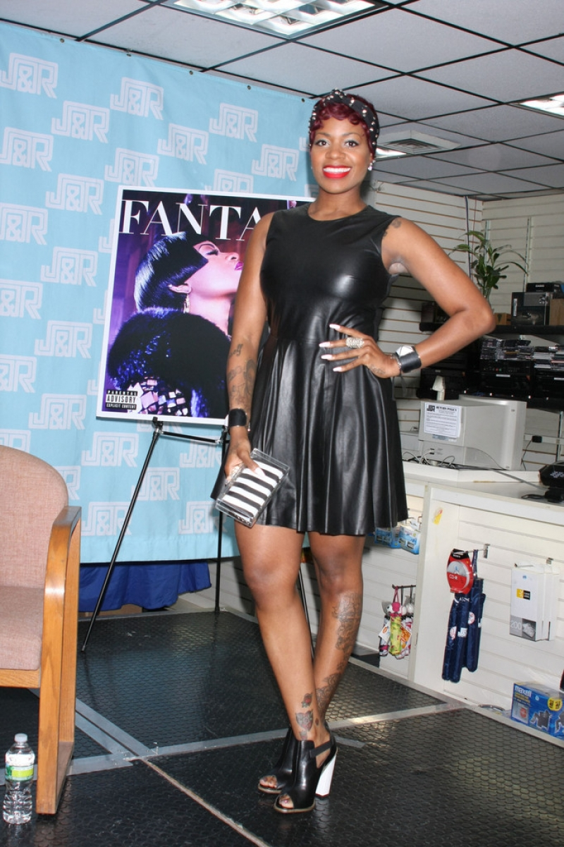 Fantasia Barrino Sings in NYC 39928