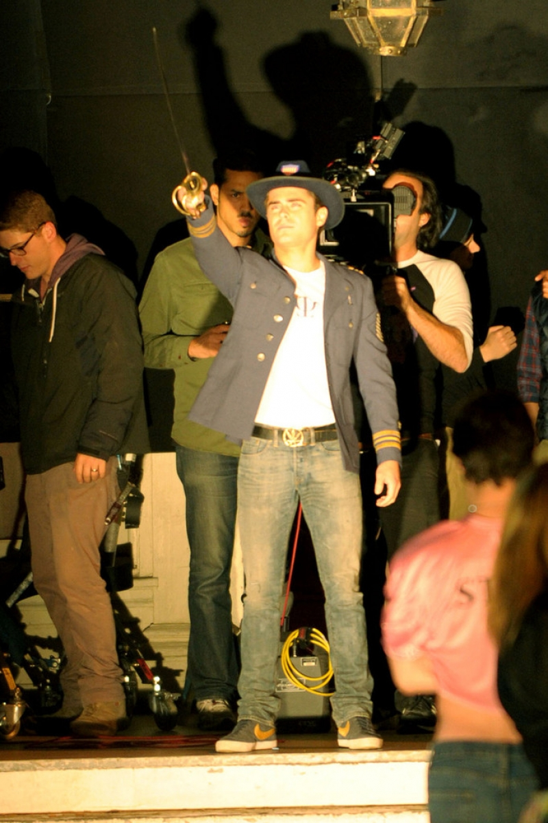 Zac Efron Wears an Ecentric Costume for a 'Townies' Scene 40004