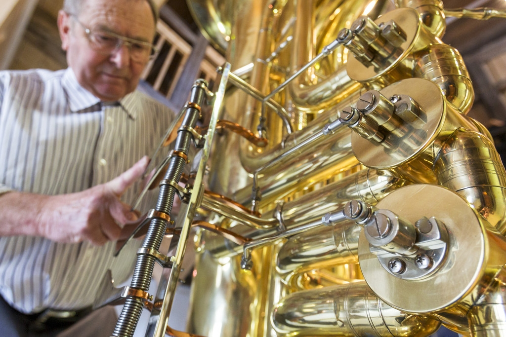 World's Largest Functional Tuba 40328