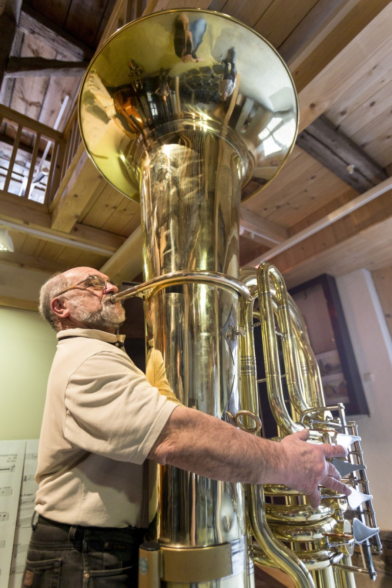 World's Largest Functional Tuba 40389