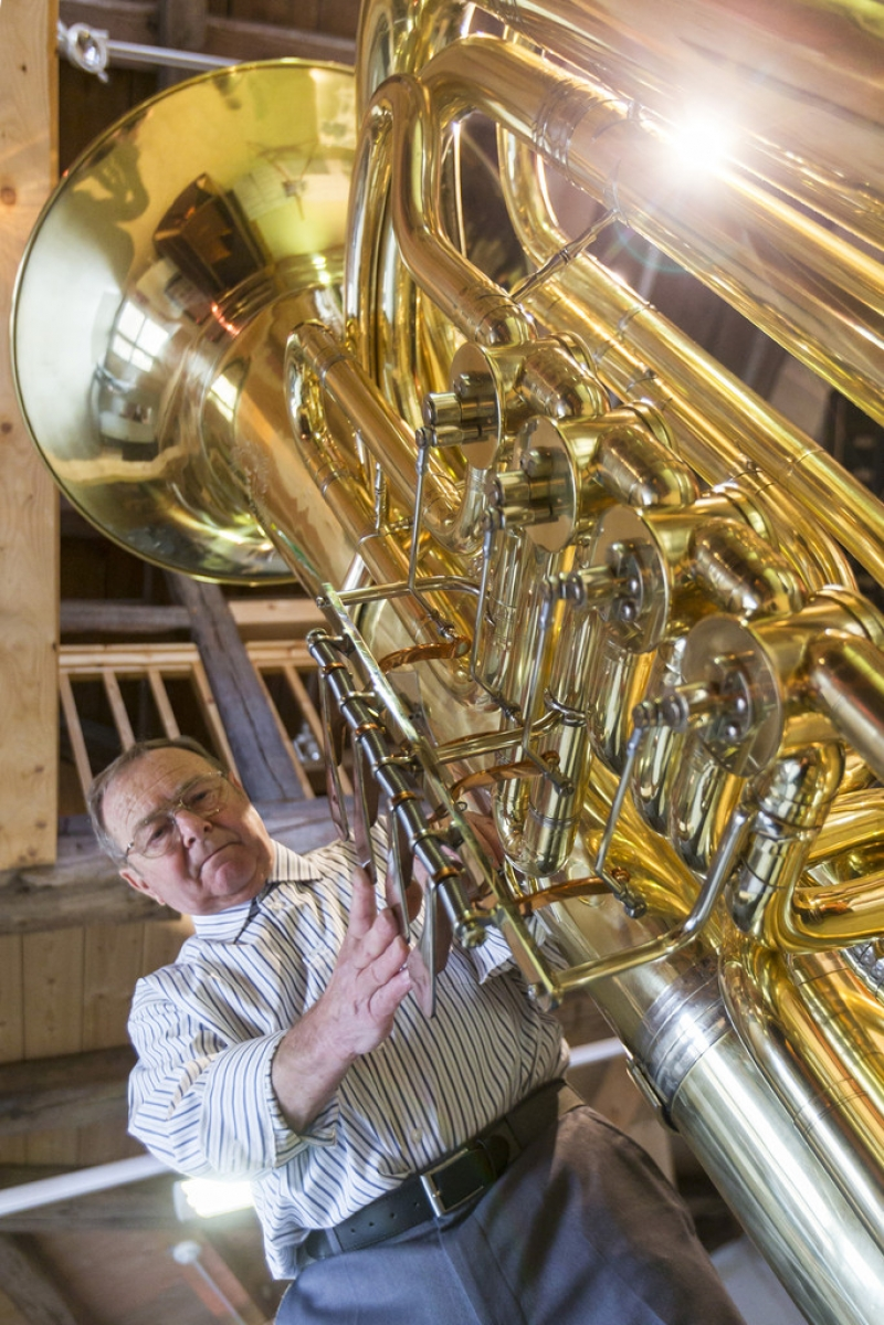 World's Largest Functional Tuba 40398