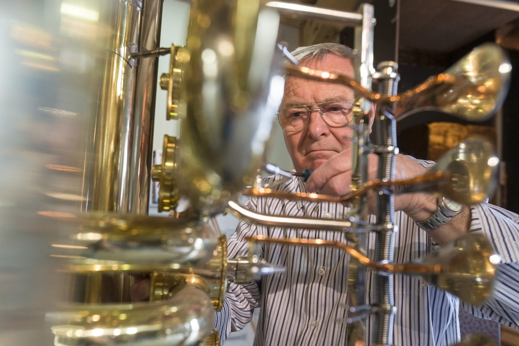 World's Largest Functional Tuba 40403