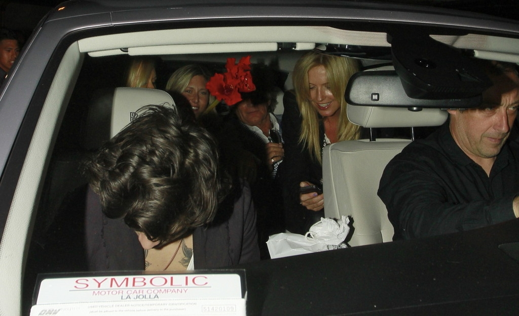 Harry Styles Out Partying With Friends 40723