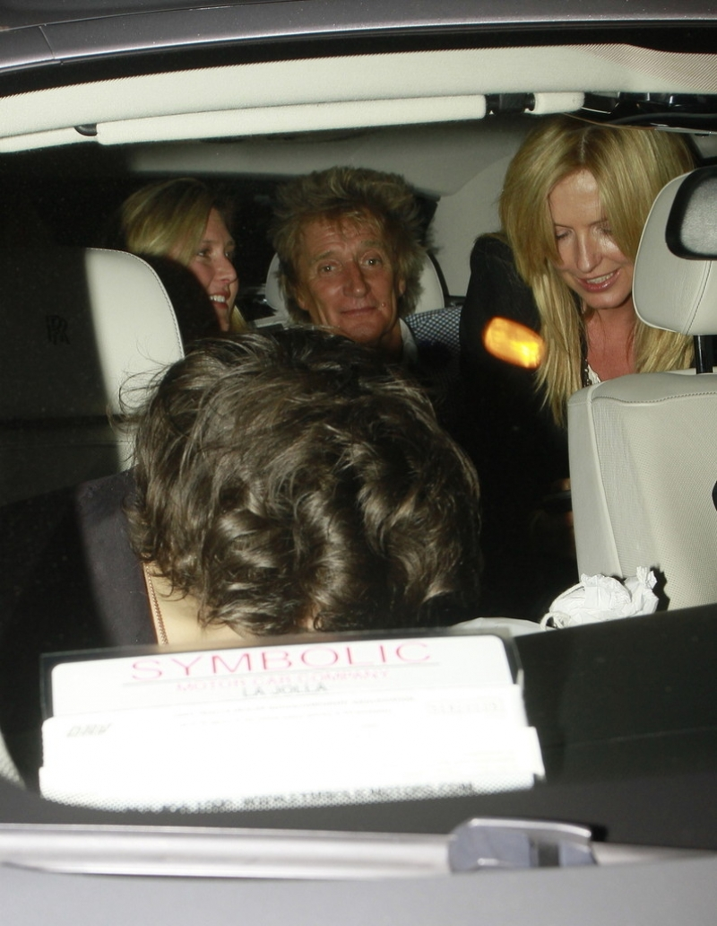 Harry Styles Out Partying With Friends 40730
