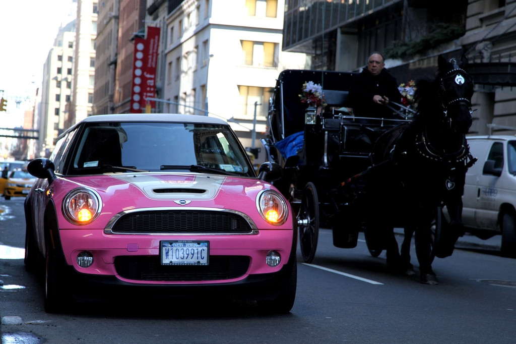 A six wheeled pink stretch Mini Cooper Limousine seen in New York 40798
