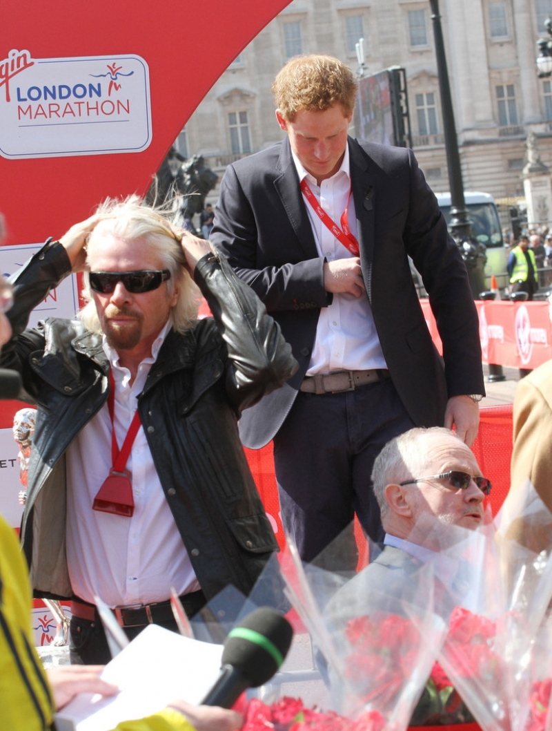 London Marathon Participants Dress Up for the Race 41086