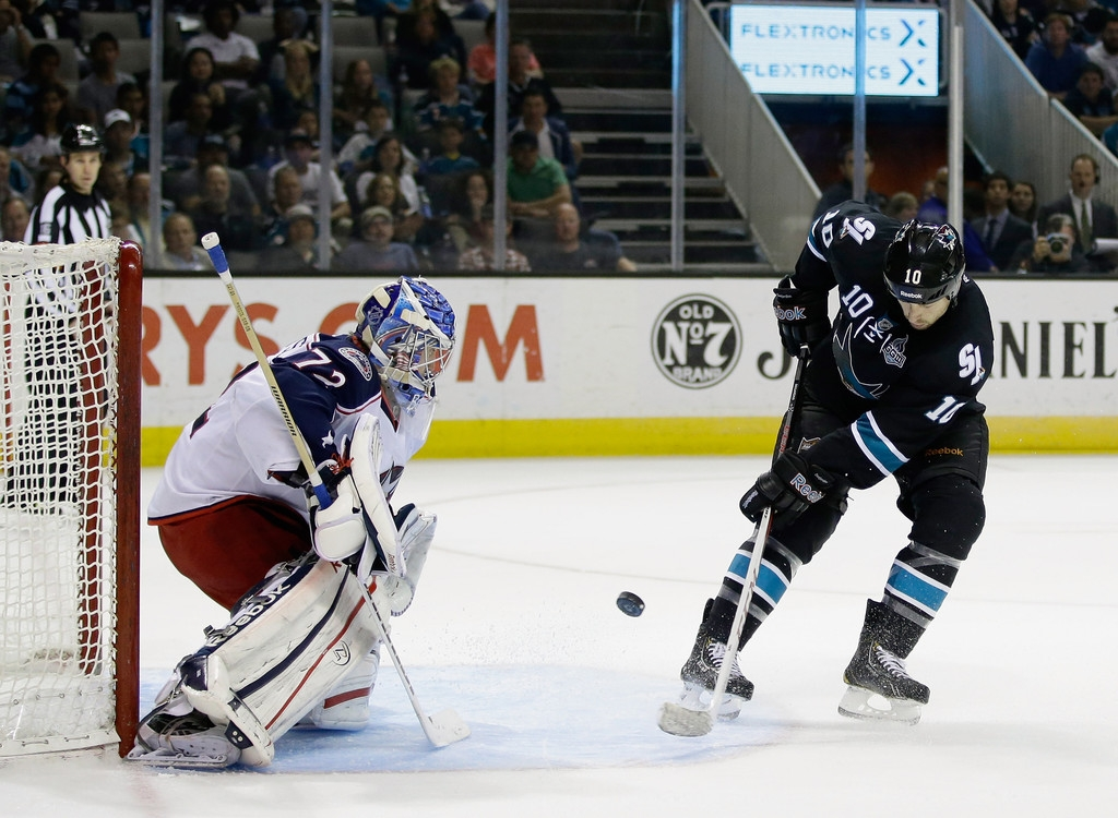 Columbus Blue Jackets v San Jose Sharks 41437