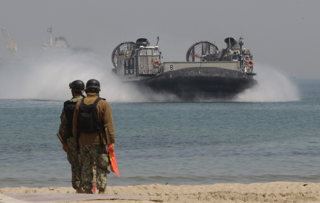 South Korea and U.S. Hold Offshore Loading Exercise 41538