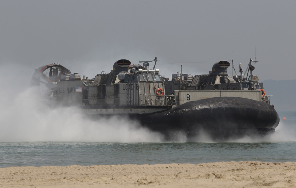 South Korea and U.S. Hold Offshore Loading Exercise 41549