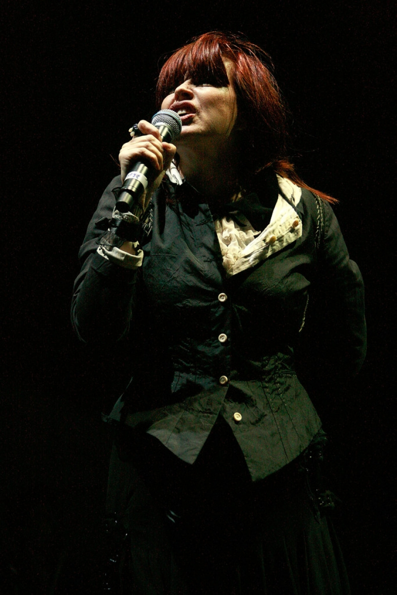 Chrissy Amphlett Dies at Age 53 41864