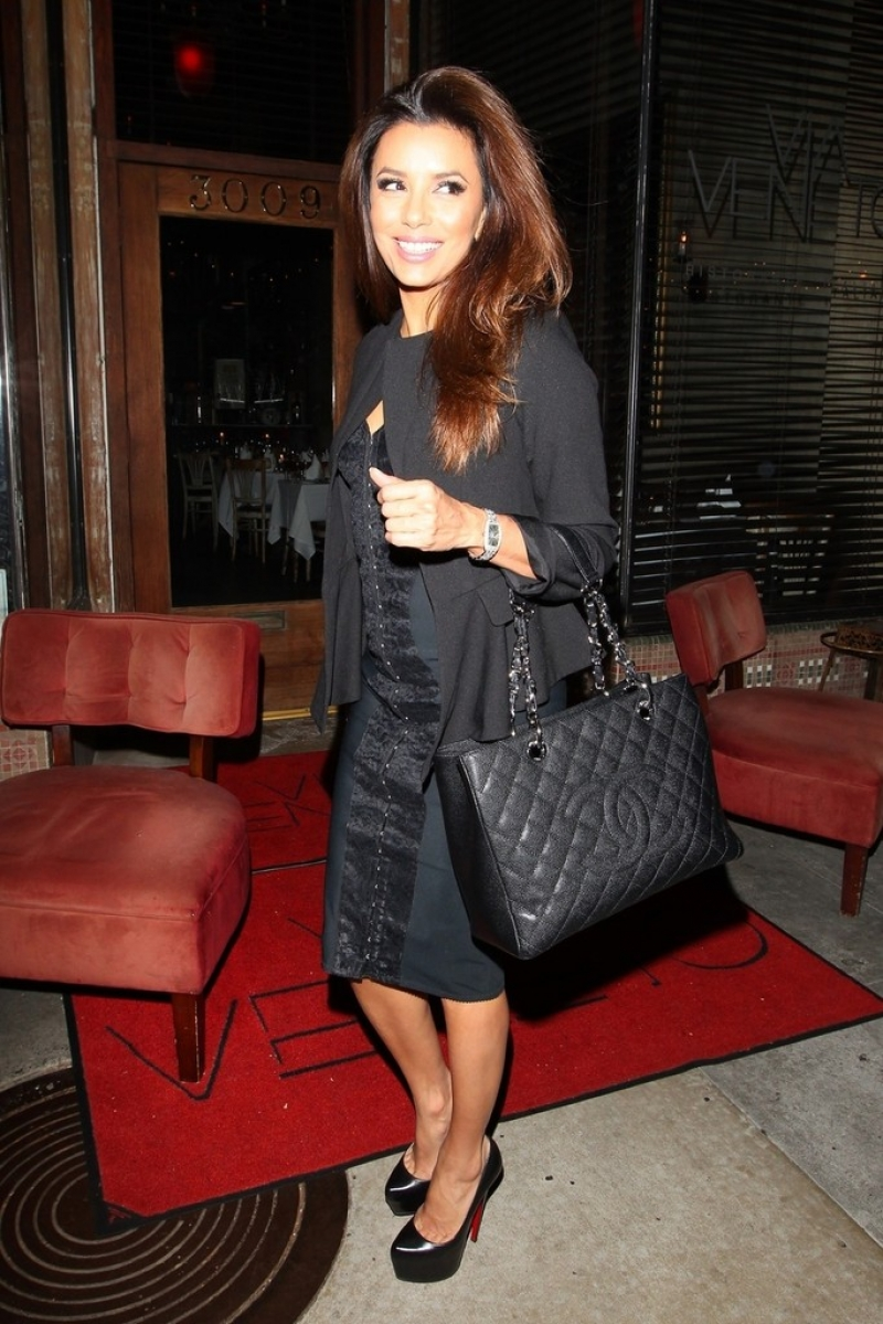 Eva Longoria Gets Dinner in Santa Monica 41926