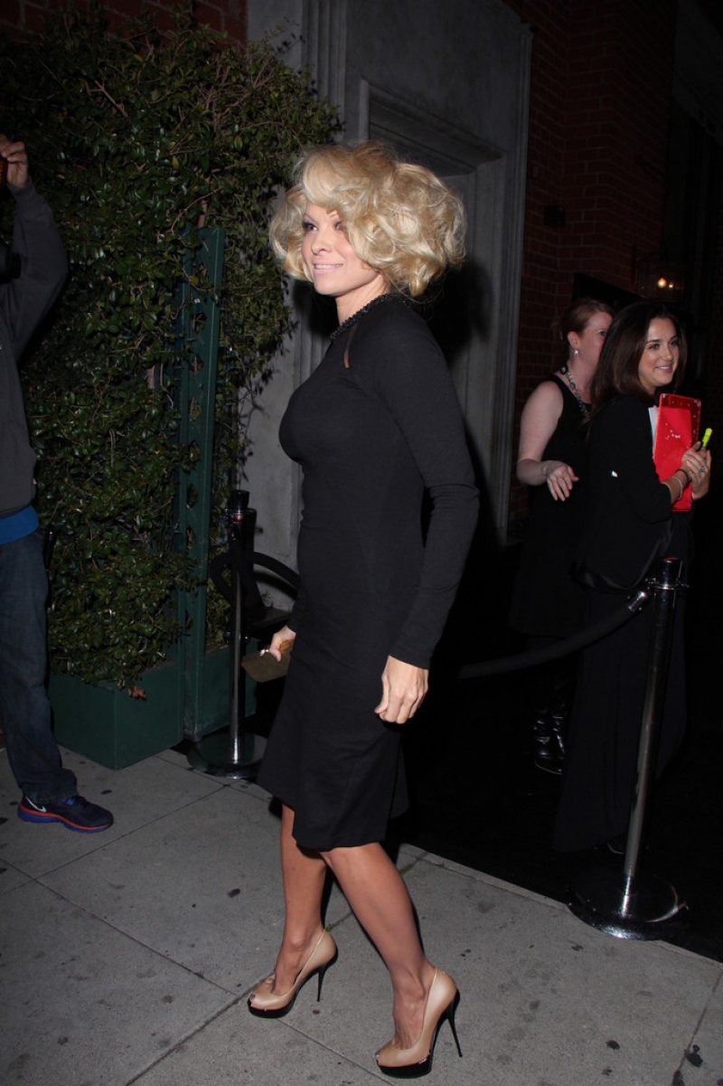Pamela Anderson Enjoys a Night Out in NYC 42150