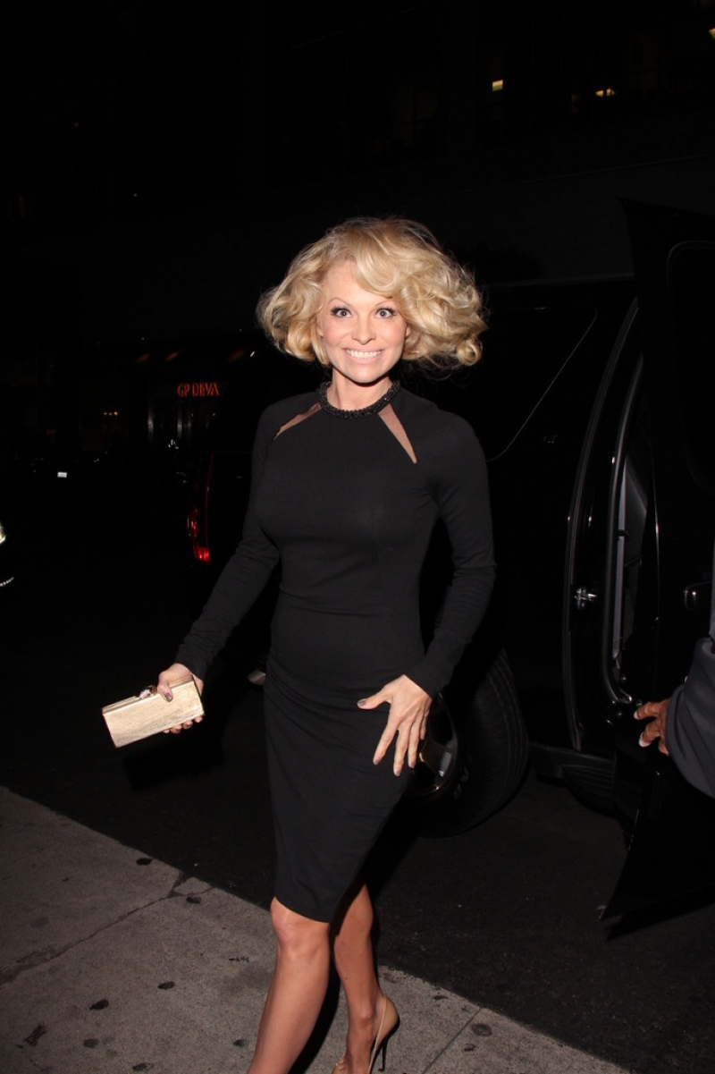 Pamela Anderson Enjoys a Night Out in NYC 42181