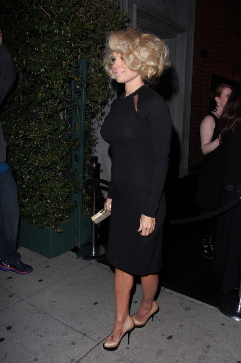 Pamela Anderson Enjoys a Night Out in NYC 42182