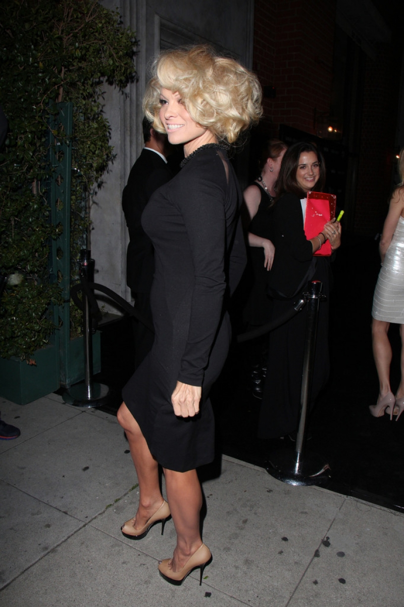Pamela Anderson Enjoys a Night Out in NYC 42186