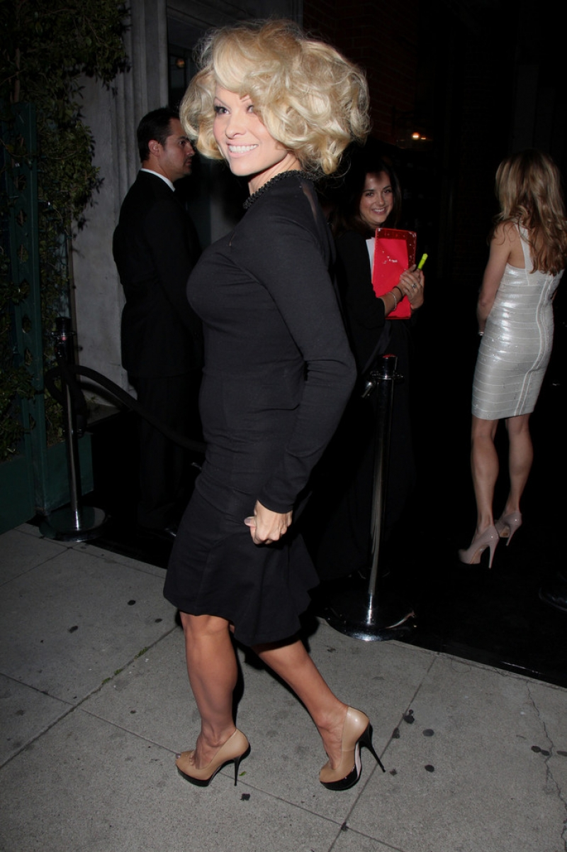 Pamela Anderson Enjoys a Night Out in NYC 42194