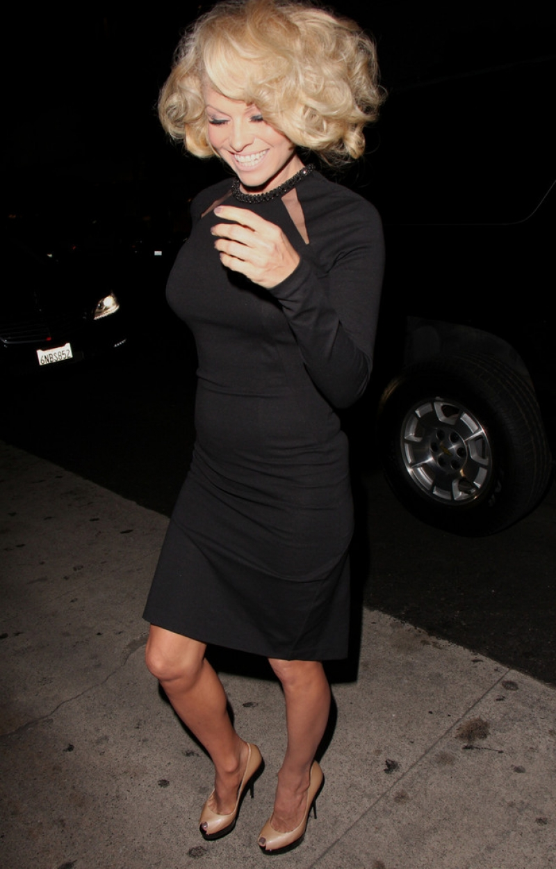 Pamela Anderson Enjoys a Night Out in NYC 42197