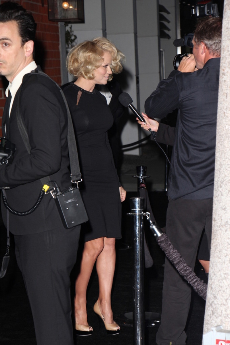 Pamela Anderson Enjoys a Night Out in NYC 42231
