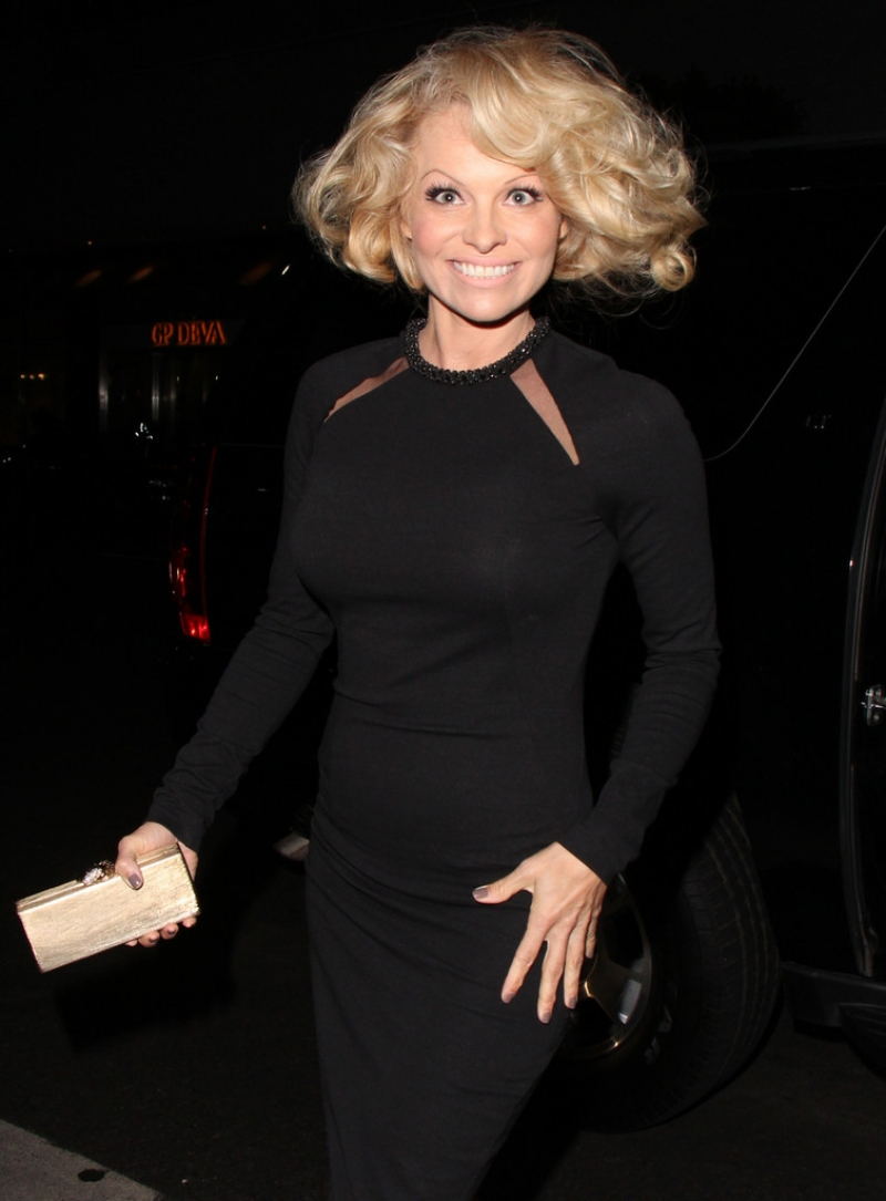 Pamela Anderson Enjoys a Night Out in NYC 42243
