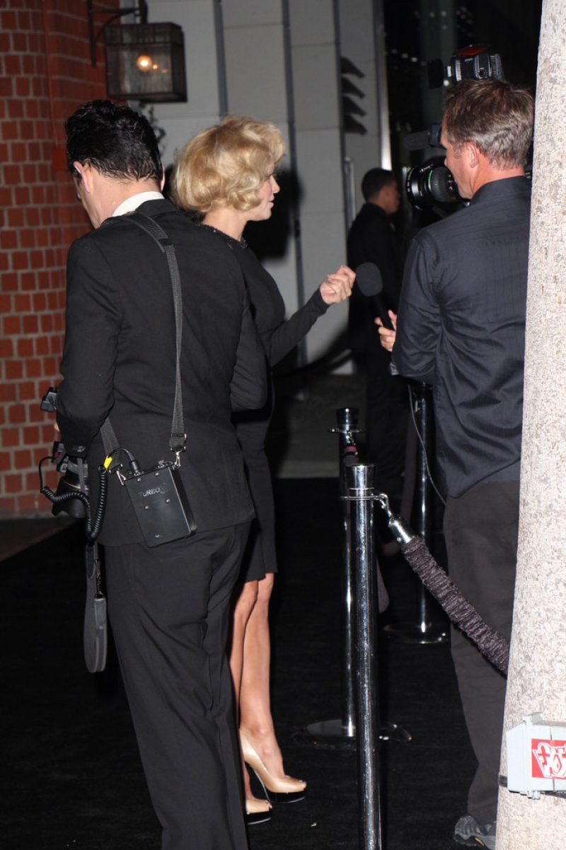 Pamela Anderson Enjoys a Night Out in NYC 42263