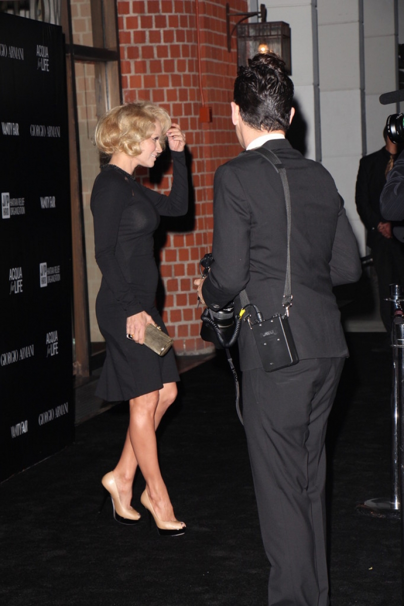 Pamela Anderson Enjoys a Night Out in NYC 42267