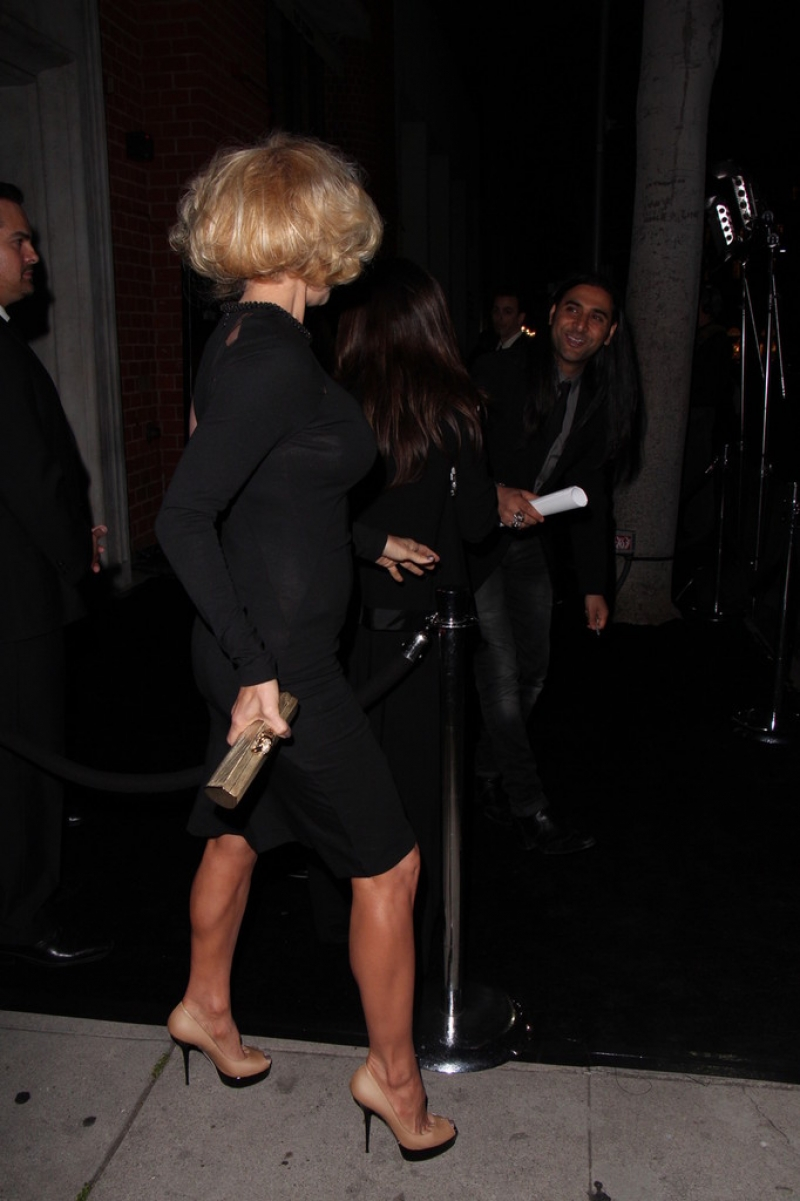 Pamela Anderson Enjoys a Night Out in NYC 42282