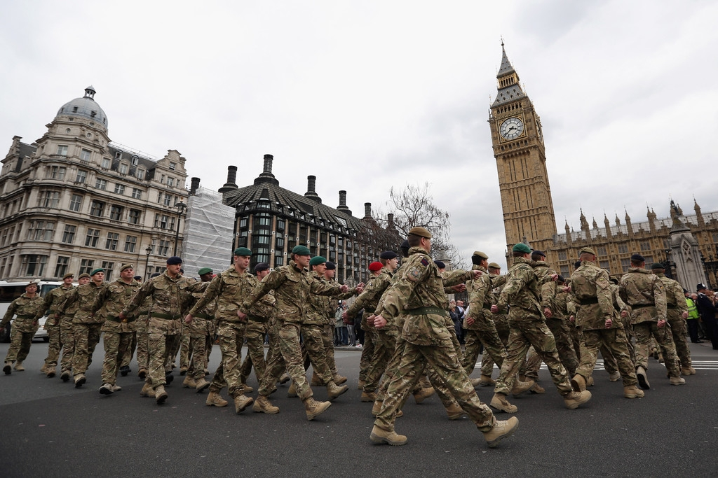 Mechanized Brigade to Parade Through London 42931