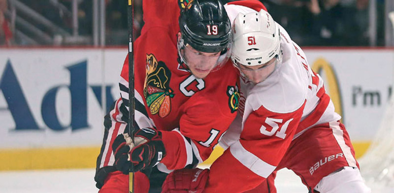 Blackhawks thrash Red Wings, stave off elimination 43272