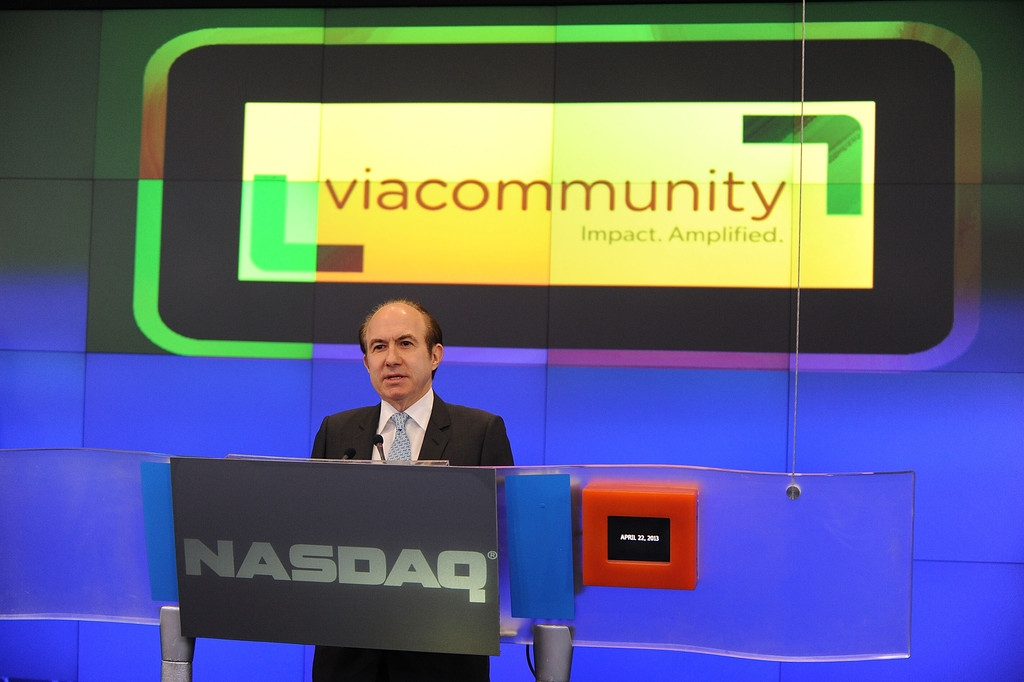 Viacom Rings the Stock Market Opening Bell  43310