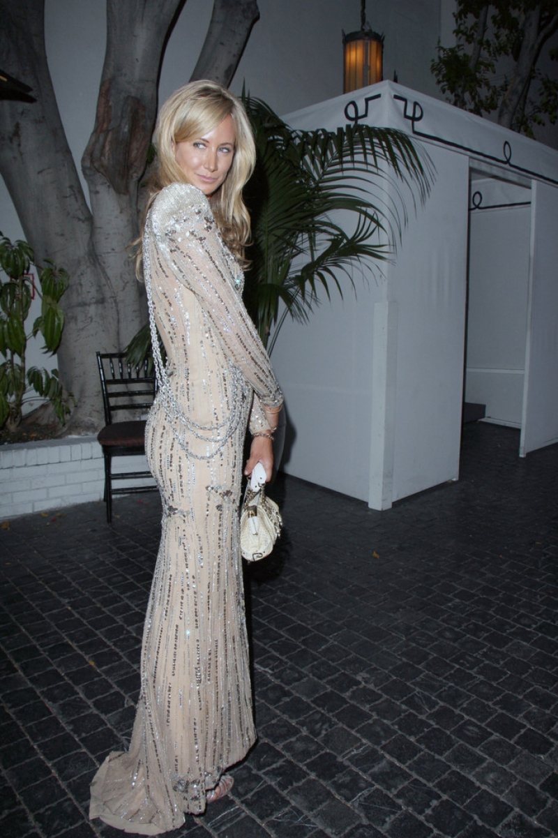 Lady Victoria Hervey Arrives at the Chateau Marmont 43360