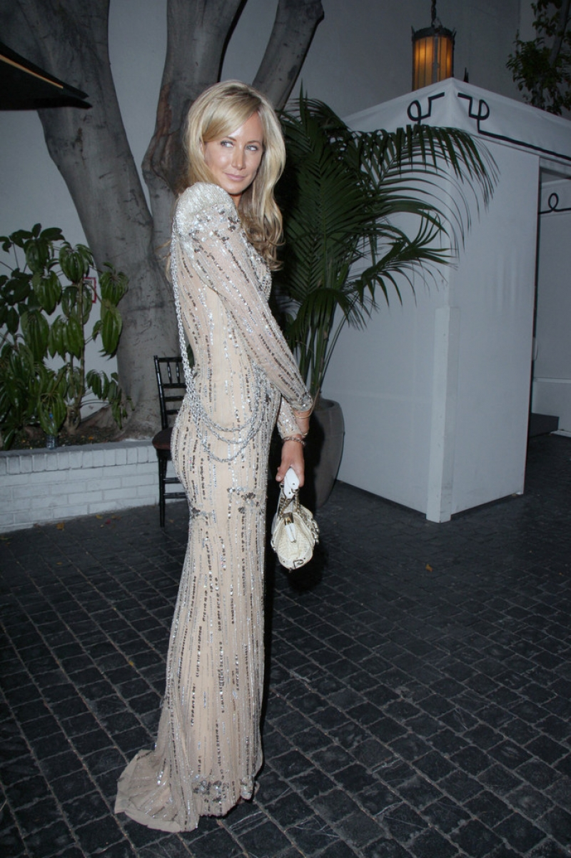 Lady Victoria Hervey Arrives at the Chateau Marmont 43364