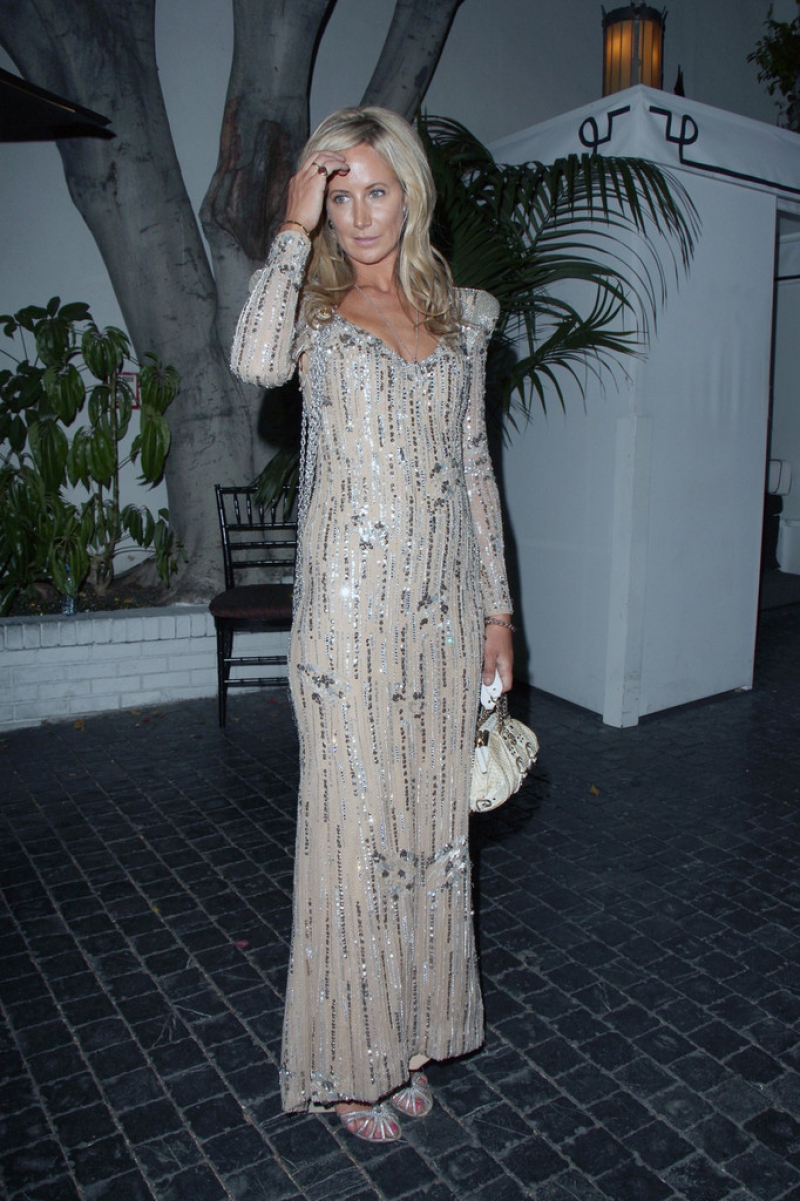 Lady Victoria Hervey Arrives at the Chateau Marmont 43390