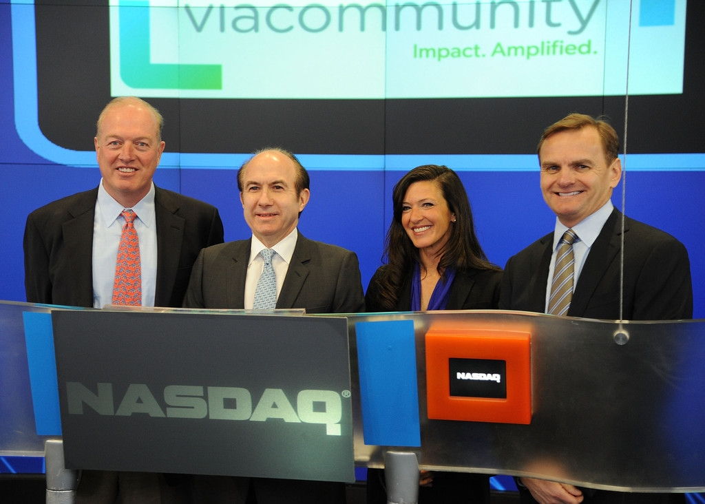 Viacom Rings the Stock Market Opening Bell  43430