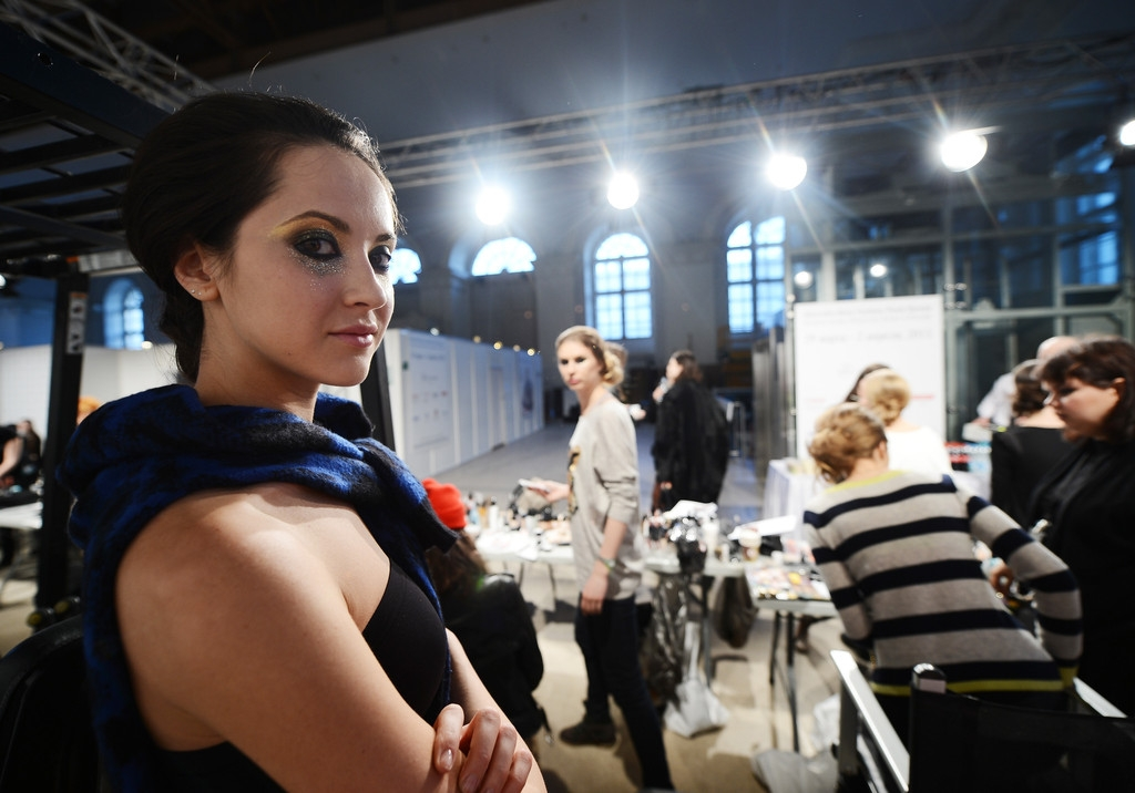 MBRFW: Backstage at Marina Makaron  43714