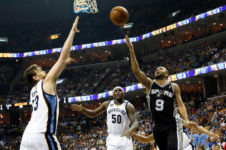 Tony Parker outshines all as San Antonio earns sweep, 93-86 43838